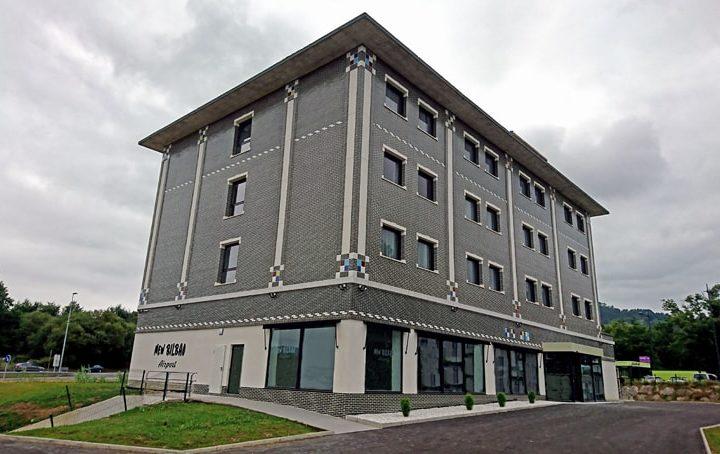 hotel-new-bilbao-airport-exterior